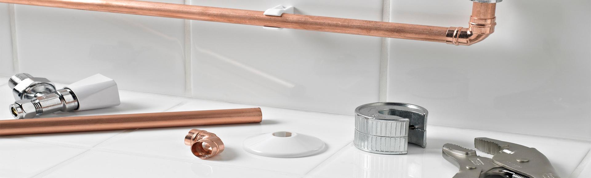 Υδραυλικές εγκαταστάσεις ύδρευσης κρύου και ζεστού νερού, καθώς και επισκευές σωληνώσεων ύδρευσης με τα κατάλληλα και σύγχρονα μέσα της αγοράς.